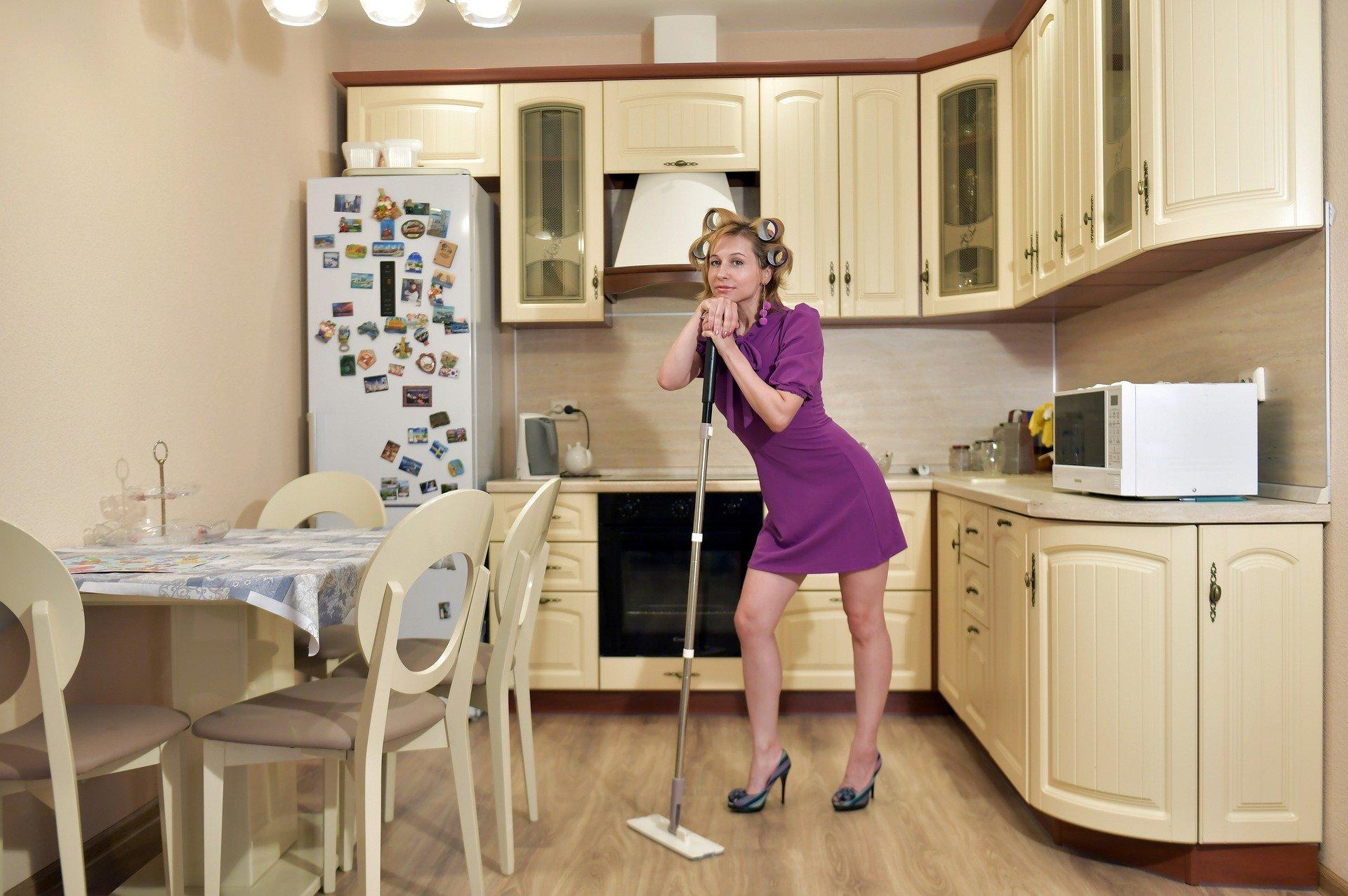 sprzątaczka zarobki
